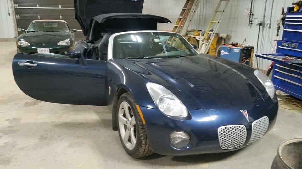 Pontiac Solstice before
